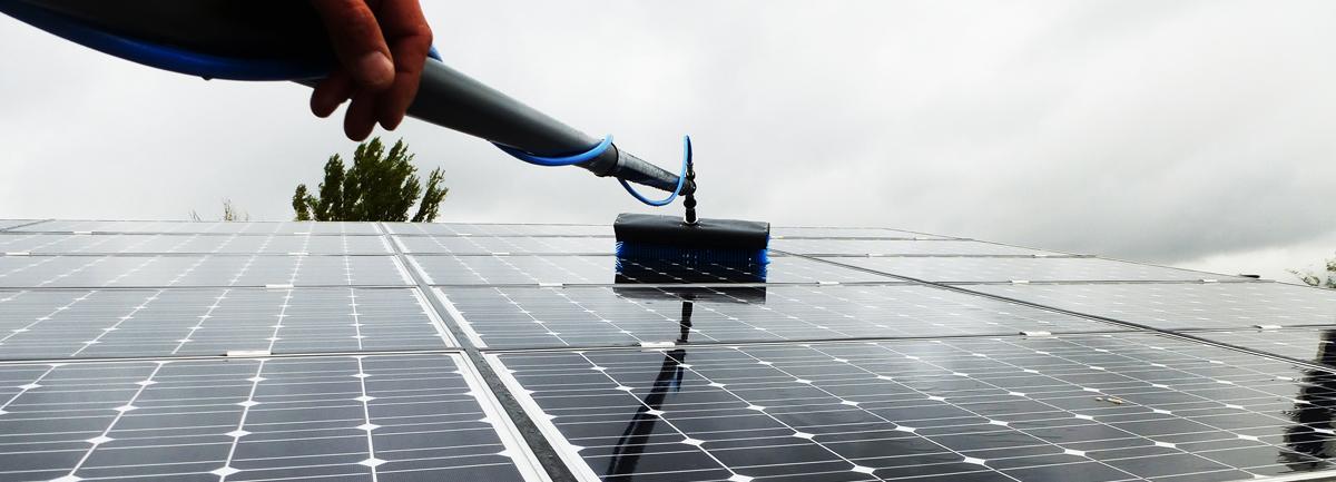 macchine professionali per la pulizia di vetri e fotovoltaico
