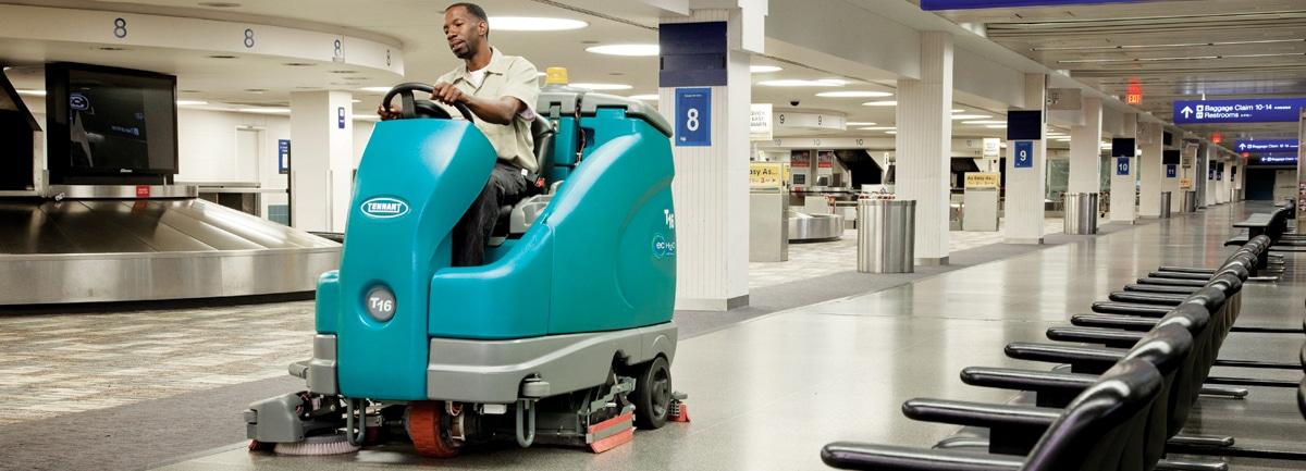 Macchine per la pulizia di aeroporti e stazioni