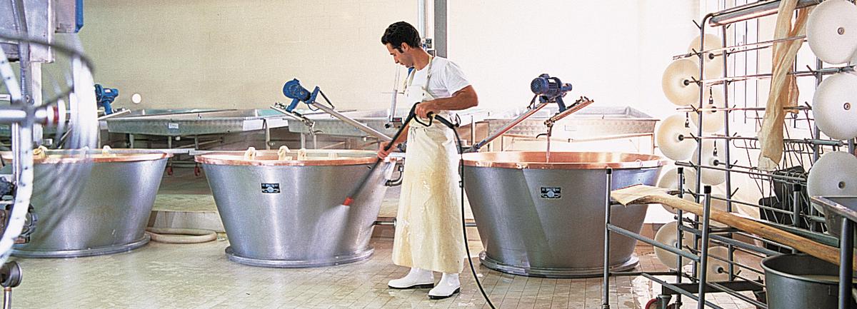 Macchine professionali per la pulizia nel settore industria alimentare