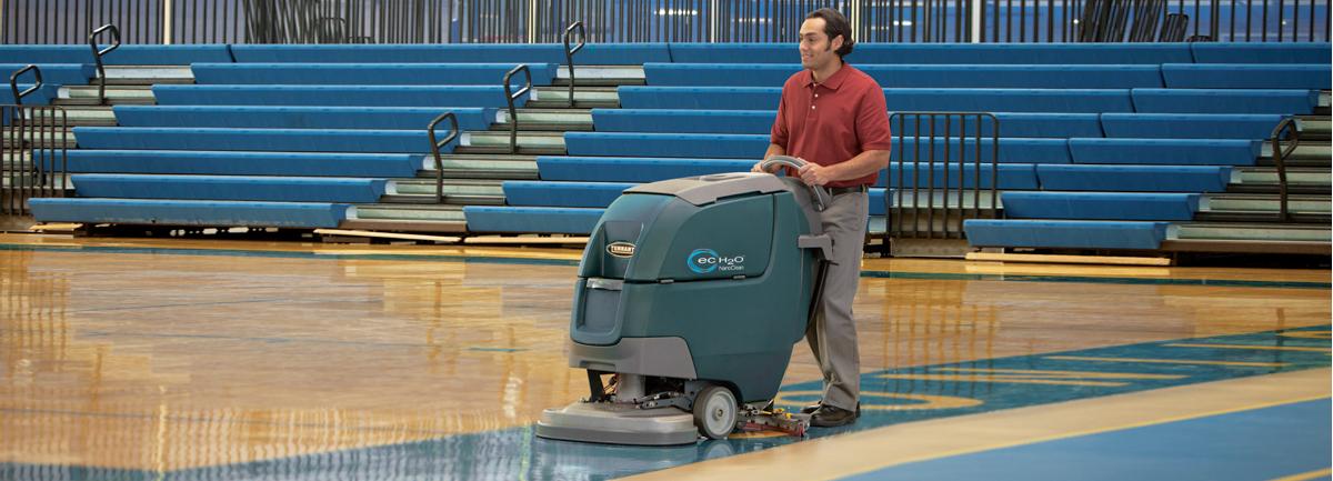 macchine professionali per la pulizia di scuole e palestre