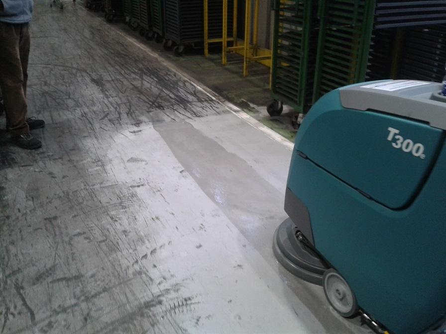 T300 lascia la striscia di pulito